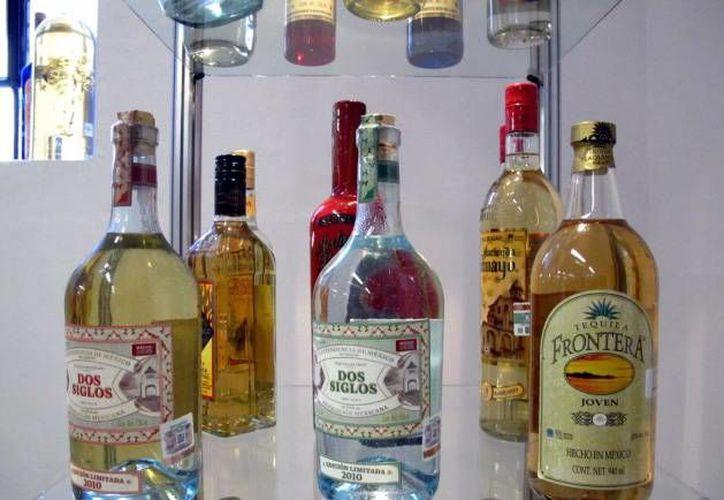 El tequila tiene denominaciones de origen desde 1974. (Archivo/SIPSE)