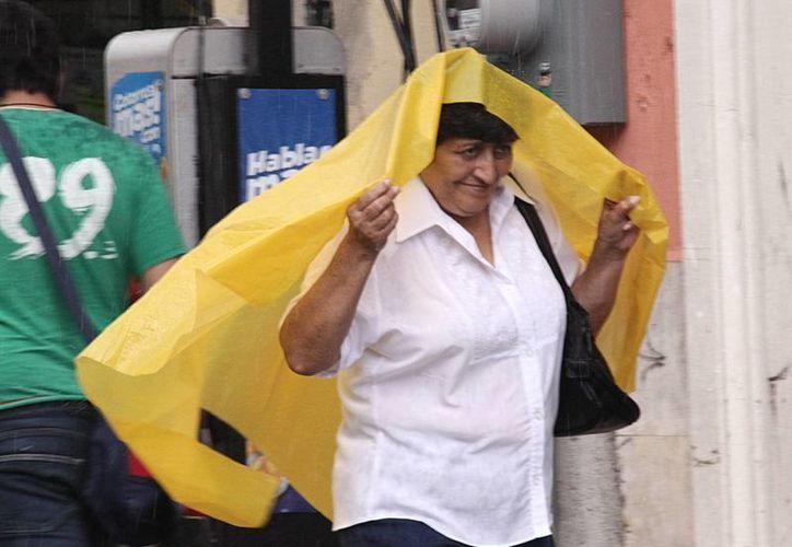 Una vaguada prefrontal ocasionó el jueves lluvias fuertes en Mérida. (SIPSE)