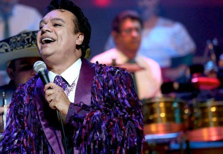 'Querido, tributo indie a Juan Gabriel' es el título de un disco en el que cantan 45 artistas independientes, todos ellos de América Latina, en honor al cantautor mexicano. (Foto tomada de bonitoleon.com)