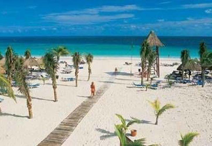 Buscan que se habiliten más entradas a los balnearios de Playa del Carmen. (Foto de Internet/Internet)