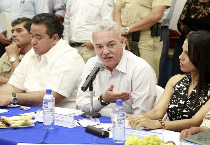 El gobernador de Baja California Sur, Marcos Covarrubias, encabezó la instalación del Consejo Estatal de Protección Civil ante la cercanía del huracán 'Blanca'. (Notimex)