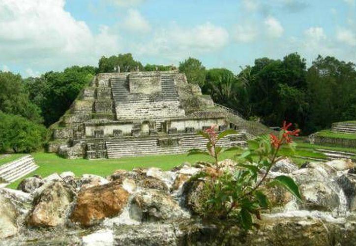 Las ruinas de Ichkabal cuenta con tres pirámides, una de ellas de más de 45 metros de altura. (Contexto/Internet)