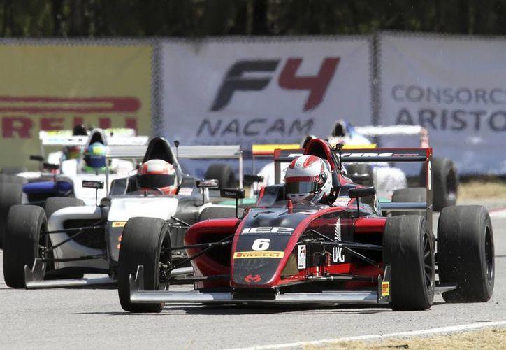 """En la pista del Autódromo """"Emerson Fittipaldi"""" los pilotos disputarán una fecha oficial de la serie NACAM. (Milenio Novedades)"""