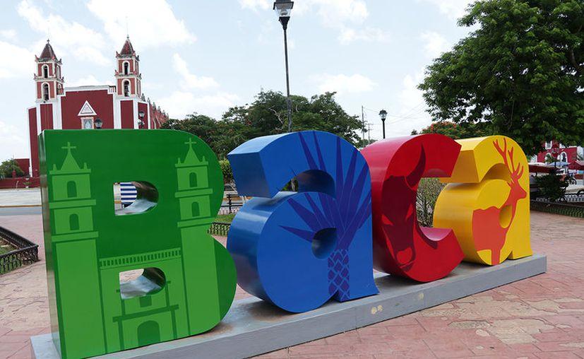 Las letras se fabrican en relación con los atractivos turísticos de los municipios. (Milenio Novedades)