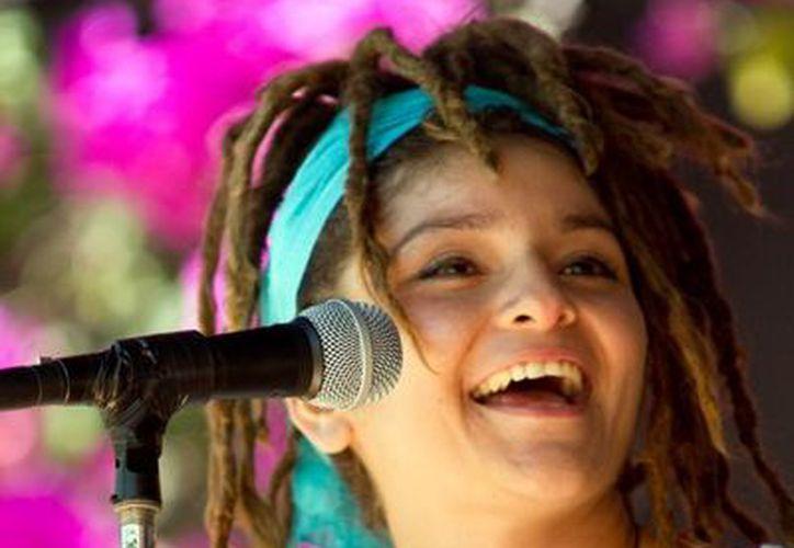 La artista fusiona ritmos autóctonos con acordes latinoamericanos. (SIPSE)