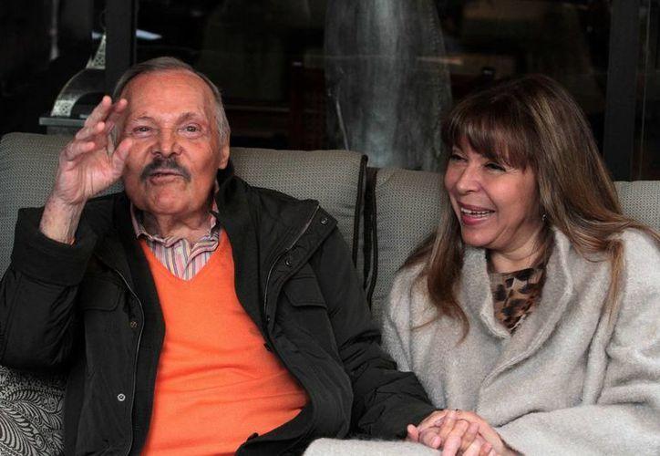 José Luis Cuevas, quien cumple 81 años, en uno de los artistas vivos más importantes de México. Hay quienes lo consideran a la altura de Picasso. (Notimex)