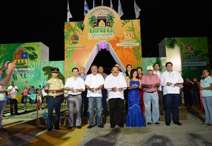 El presidente municipal de Othón P. Blanco Eduardo Espinosa Abuxapqui, encabezó la ceremonia de inauguración. (Redacción/SIPSE)