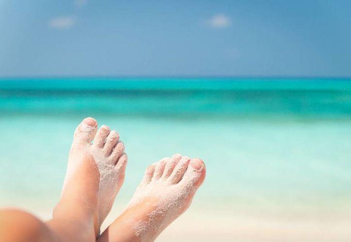 Las recomendaciones para evitar dichas lesiones es usar de manera frecuente calzado limpio. (Contexto/SIPSE)