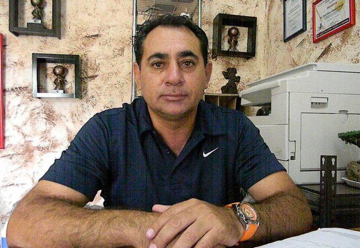 Héctor Almazán Soto, director deportivo de la franquicia. (Ángel Mazariego/SIPSE)