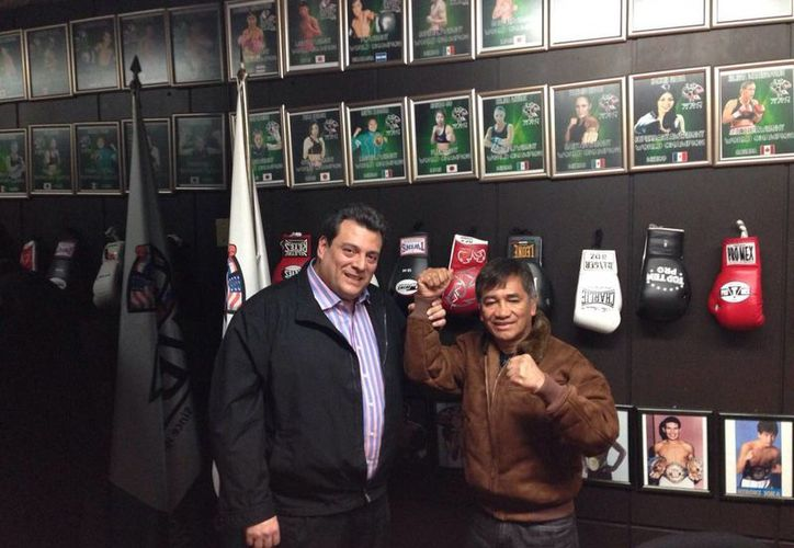Mauricio Sulaimán espera que el programa 'Boxeando por un México seguro' se lleve a cabo en más plazas. (wbcboxing.com)