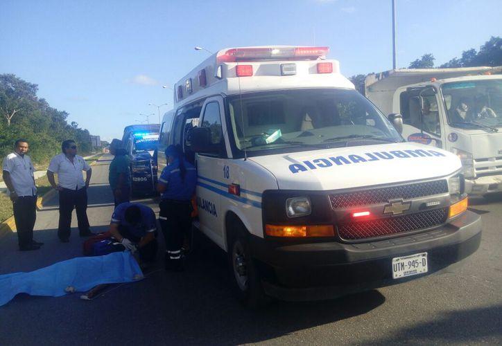 Sobre la avenida CTM con Lilis cayó el cuerpo de la persona. (Redacción)