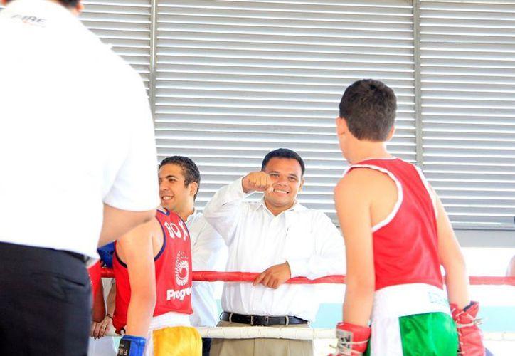 El Gobernador Rolando Zapata Bello tuvo el martes una agenda con varias actividades. (SIPSE)