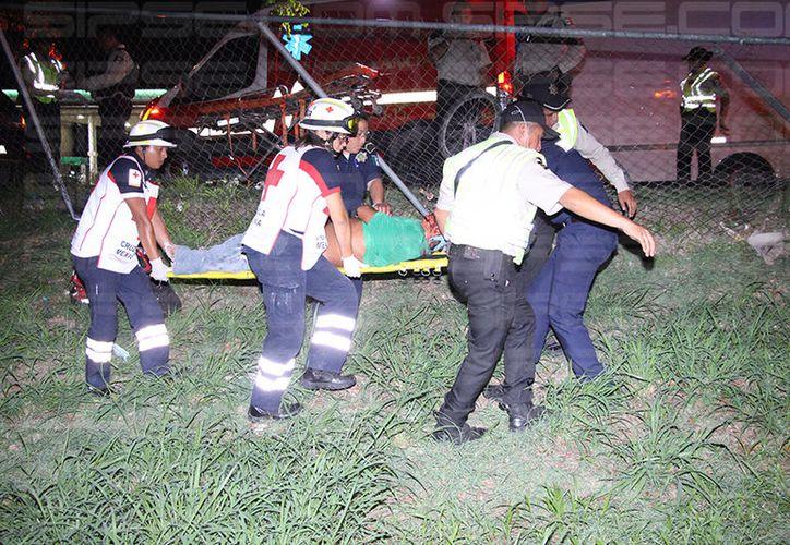 Los hechos ocurrieron en el kilómetro 19 +500 del periférico, cuando intentó cruzar del carril interior al carril exterior del periférico. (Carlos Navarrete/SIPSE)