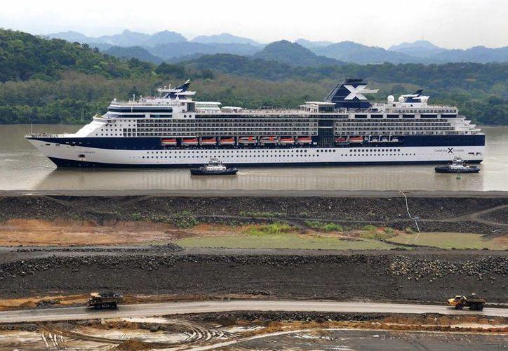 Por el Canal de Panamá pasa el 5% del comercio marítimo mundial y sus dos principales clientes son Estados Unidos y China. (Archivo SIPSE)
