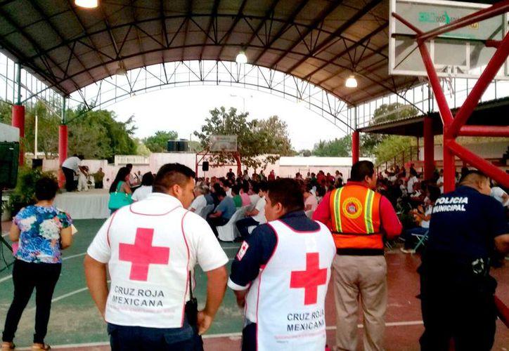 8 instituciones recibieron cursos en RCP por parte de la delegación de la Cruz Roja del municipio.  (Foto: Jesús Caamal / SIPSE)