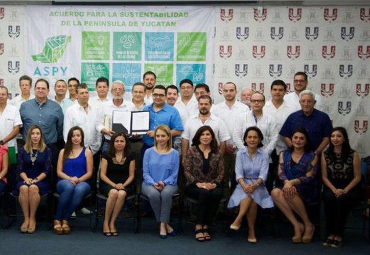 Mas de 50 empresas se sumaron al Acuerdo para la Sustentabilidad de la Península de Yucatán rumbo a la COP13.  (@ASPY2030)