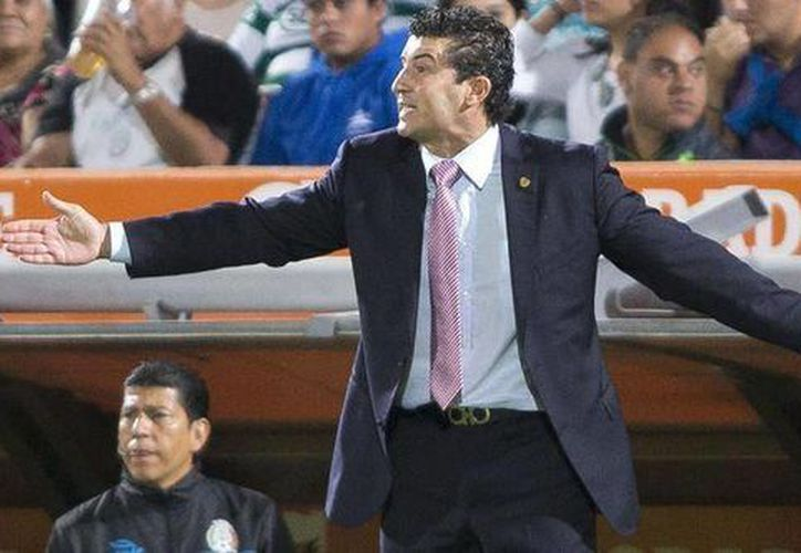 Chepo de la Torre se molestó con el empate de Chivas en casa ante Xolos de Tijuana. (Facebook)