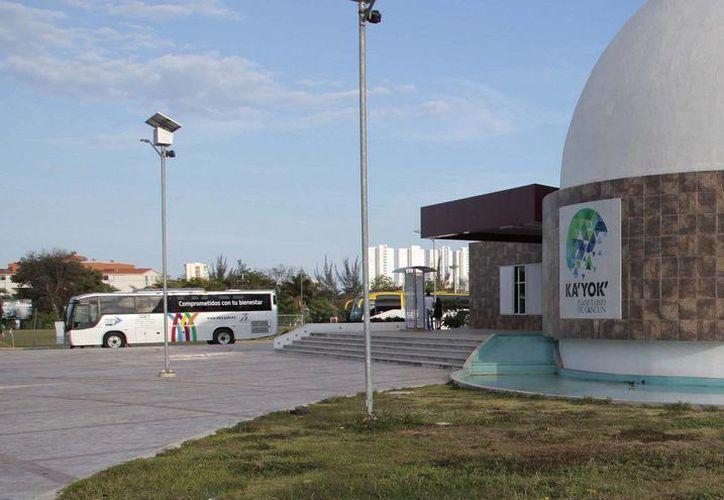 El Planetario Ka' Yok de Cancún ofrece sus visitas guiadas a las escuelas públicas y privadas del municipio. (Redacción/SIPSE)