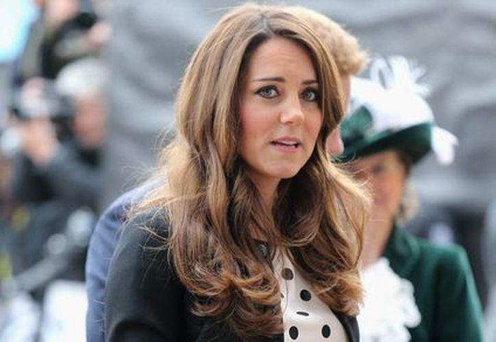 Con motivo de la llegada del hijo del príncipe Guillermo y Kate Middleton, el museo de Londres montará una exposición de objetos que pertenecieron a bebés de la realeza. (dailymail.com.uk)