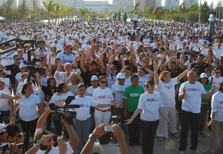 Los cancunenses están unidos en contra de la violencia en cualquiera de sus expresiones. (Tomás Álvarez/SIPSE)