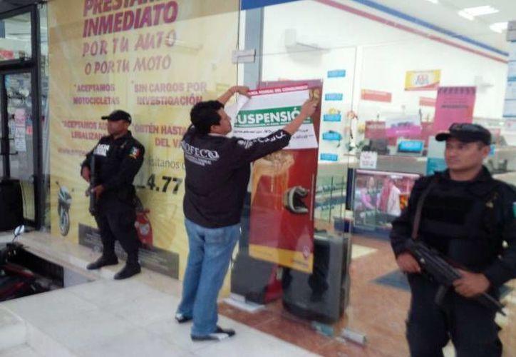 La primera verificación se realizó en casas de empeño de Mérida, Hunucmá, Umán, Kinchil y Samahil, y contó con el apoyo de la Policía Ministerial y la Policía Estatal. (Milenio Novedades)