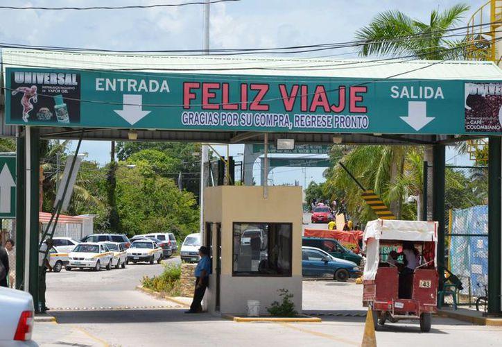 Comerciantes esperan un repunte del 40% en ventas, este fin de semana. (Ángel Castilla/SIPSE)