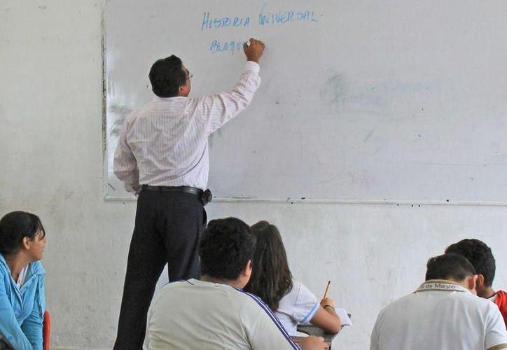 Los maestros podrían ser separados de sus cargos. (Jesús Tijerina/SIPSE)