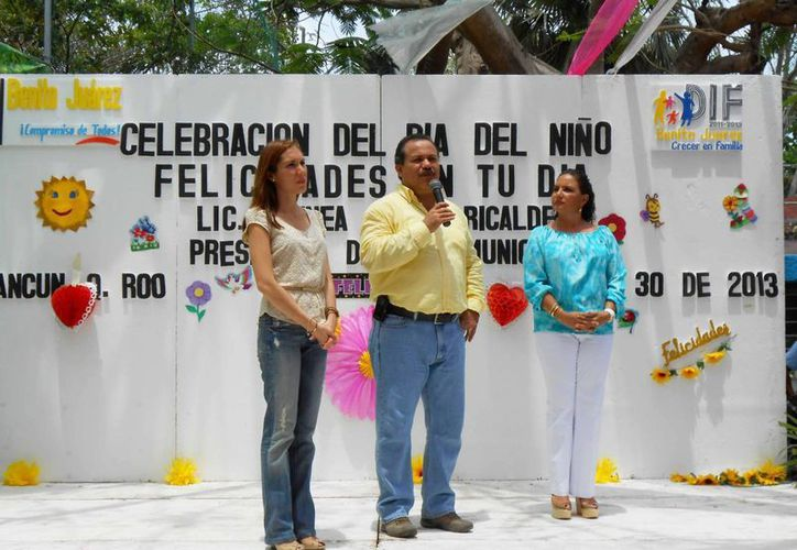 El alcalde, Julián Ricalde Magaña, dirigió un mensaje de agradecimiento a los organizadores. (Redacción/SIPSE)