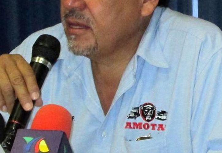 Rafael Ortiz Pacheco señaló que la manifestación se prolongará hasta que logren que las autoridades los reciban. (Milenio Novedades)