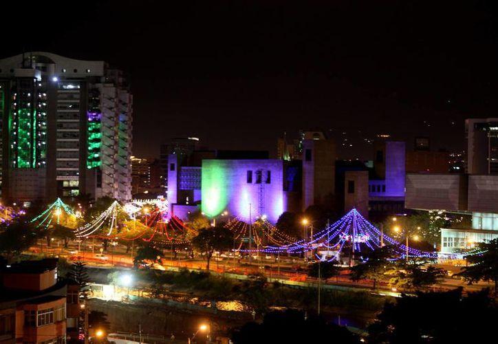 El premio Lee Kuan Yew World City Prize 2016, que este año se adjudicó Medellín, Colombia, incluye un certificado, una medalla de oro y un reconocimiento de 300 mil dólares. (EFE/Archivo)