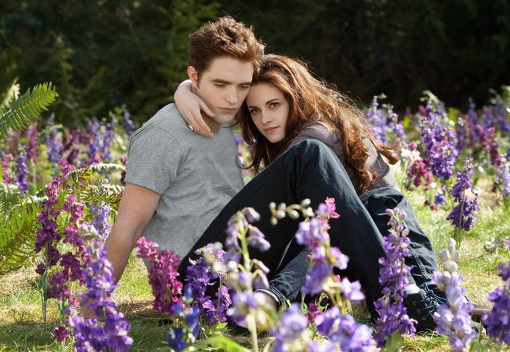 Muchos fans quieren ver a Stewart y a Pattinson juntos como en la zaga de 'Crepúsculo'. (Agencias)