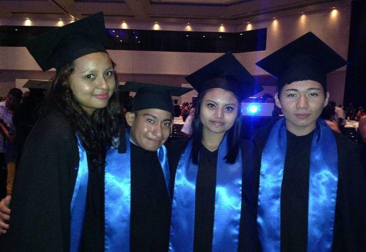 El costo total de gastos por graduaciones sería de 350 mil pesos. (Joshimar Mendoza/SIPSE)