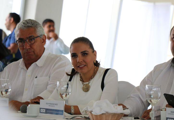 Mara Lezama se reune con empresarios de Cancún. (Foto: Redacción/SIPSE