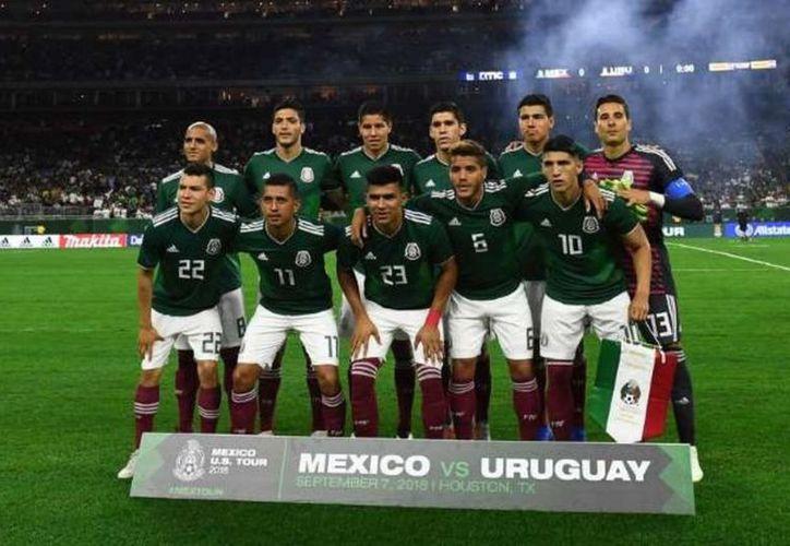 Pese a haber sido derrotado en los dos duelos amistosos de la FIFA, el equipo mexicano subió en la clasificación. (Vanguardia)