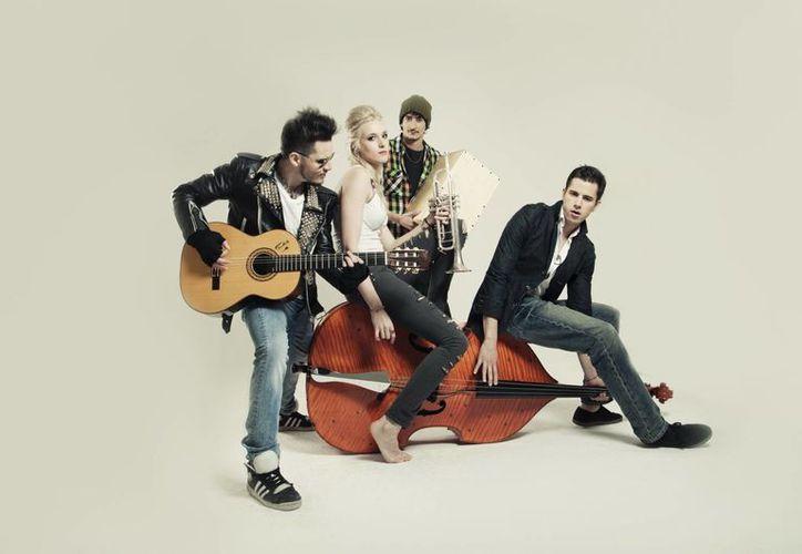 Recientemente ofrecieron conciertos en Los Ángeles y antes se presentaron en México, en el festival Vive Latino en el Foro Sol. (Foto: Tonymadrid.com)