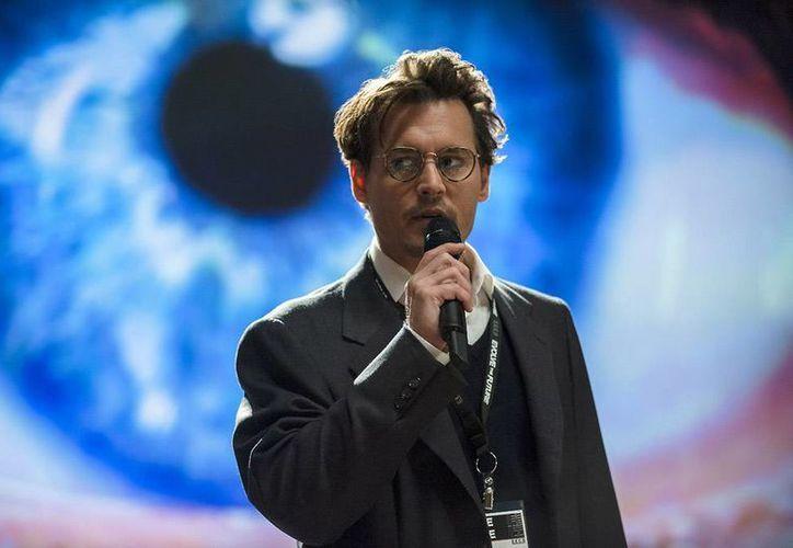 Este 20 de junio llega a los cines de México el más reciente filme de Johnny Depp: 'Trascender'. (transcendencemovie.com)
