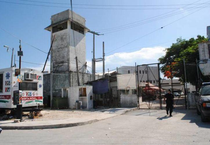 El ahora occiso compartía la celda con 15 internos en la cárcel de Cancún. (Eric Galindo/SIPSE)
