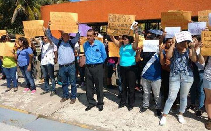 Familiares de los desaparecidos se manifestaron en días pasados para exigir la aparición de los muchachos. (Milenio)