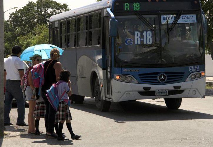 Una centena de autbuses de Autocar volvieron a circular por las calles desde ayer por la mañana. (Tomás Álvarez/SIPSE)