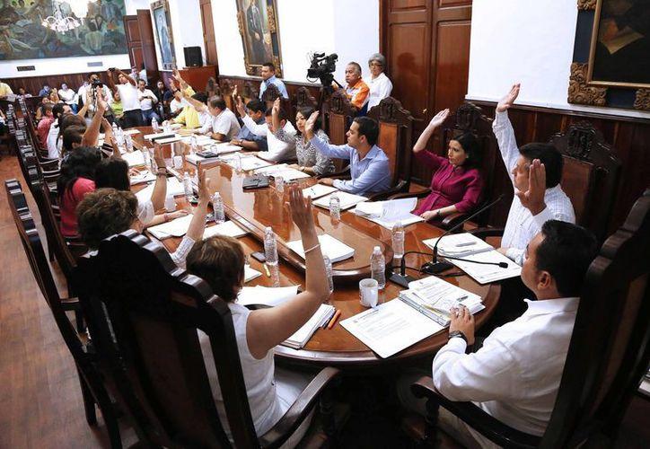 Aspecto de la sesión extraordinaria del Cabildo de Mérida, en la que no prosperó la propuesta para integrar el Tribunal de lo Contencioso Administrativo. (Cortesía)