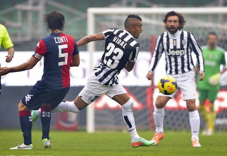 La Juventus cerró la primera vuelta de la temporada 2013-2014 con una goleada en patio ajeno de 4-1 sobre el Cagliari, en duelo de la fecha 19 de la Liga de Italia. (Agencias)