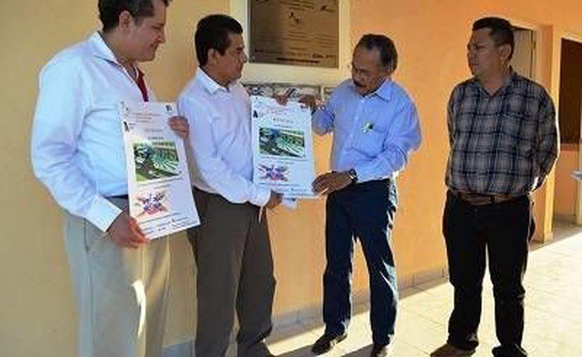 El edil bacalarense se comprometió a difundir y contribuir a la realización de las actividades del movimiento por lo niños con autismo en la entidad. (Redacción/SIPSE)