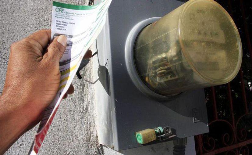 La CFE cobró al 100% el consumo de energía eléctrica a todo negocio sin actividades desde el pasado 20 de marzo. (Archivo/Novedades Yucatán)