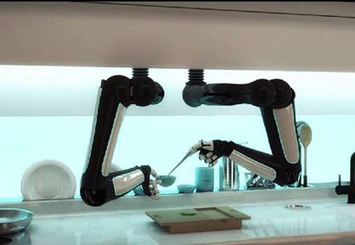 La idea es que el robot tome todos los ingredientes y prepare la comida en la cocina. (geeksnack.com)