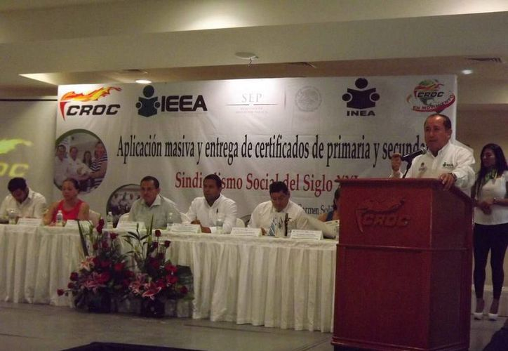 En la inauguración de la Campaña Nacional de Alfabetización y Abatimiento del Rezago Educativo se destacó los logros de la alianza. (Redacción/SIPSE)