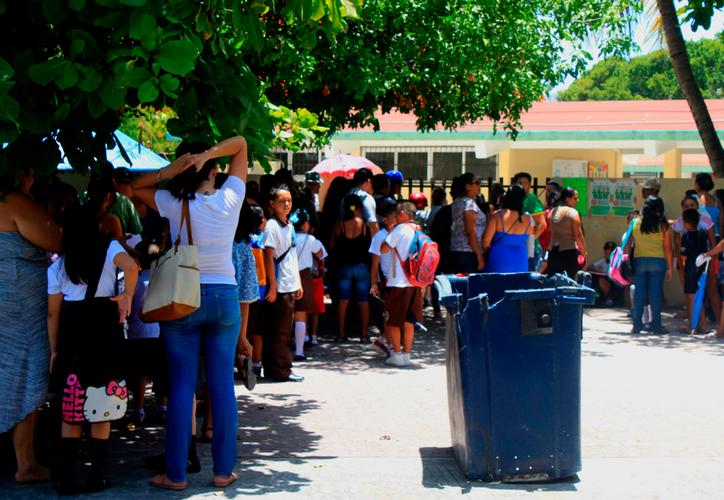 Al cierre del ciclo escolar pasado, tres padres de familia cambiaron de escuela a sus hijos, por problemas de conducta. (Octavio Martínez/SIPSE)