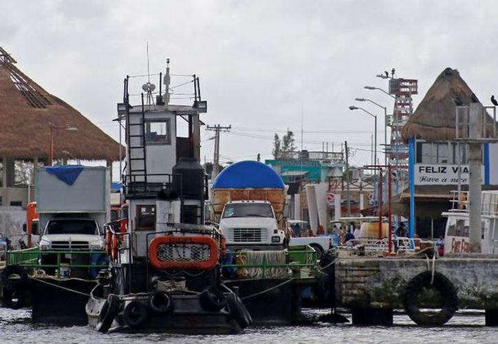 En la isla de Holbox, a través de la CAPA se invierten más de 40 millones 900 mil pesos para la modernización de la red de agua potable. (Redacción)