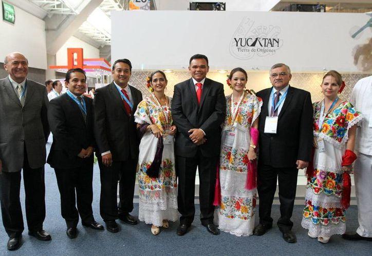 El Gobernador y la delegación de Yucatán, en la inauguración del Tianguis Turístico (SIPSE)
