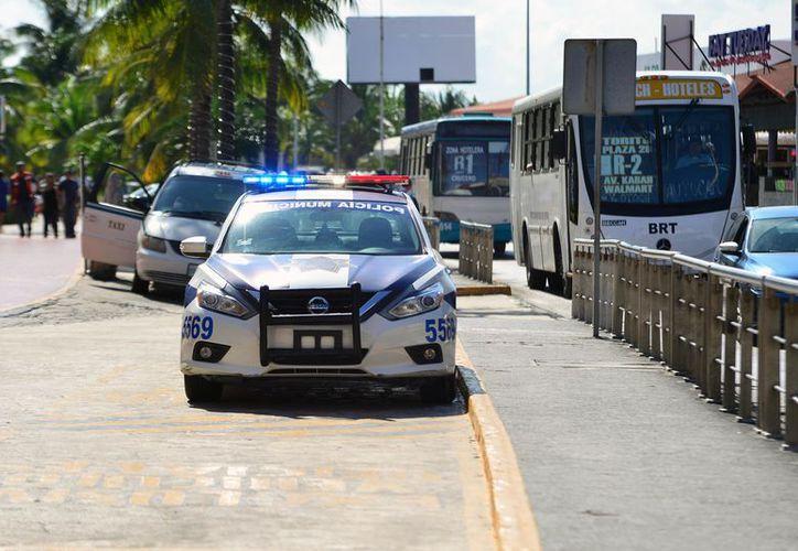 Instalarán videocámaras en las patrullas de la zona turística. (Karim Moisés/SIPSE)
