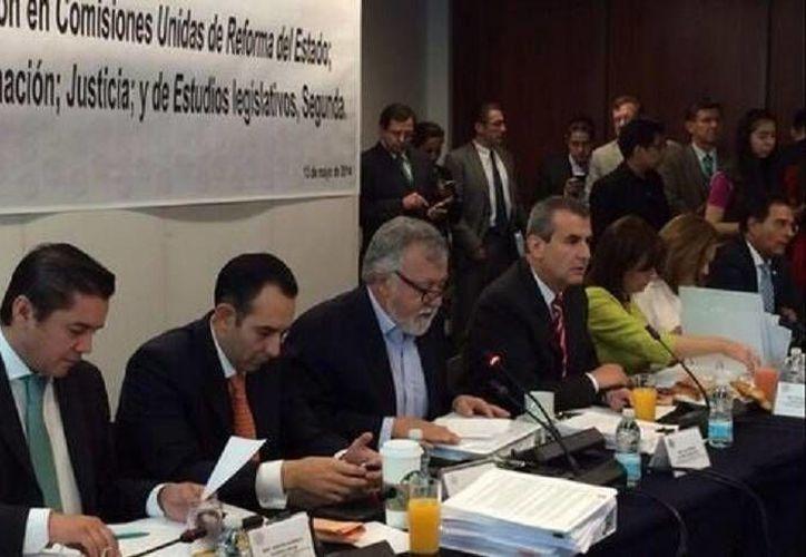 Comisiones unidas del Senado analizan acuerdos sobre las leyes secundarias de la reforma político-electoral antes de su votación. (Foto de Milenio, tomada de: @ A_Encinas_R)